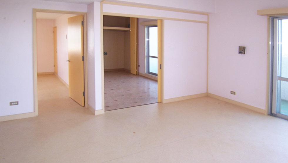 ※写真は別のお部屋です。右側のお部屋は和室です。