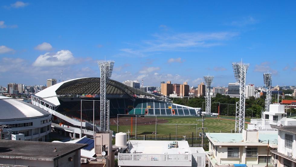 テラスから見るセルラースタジアム