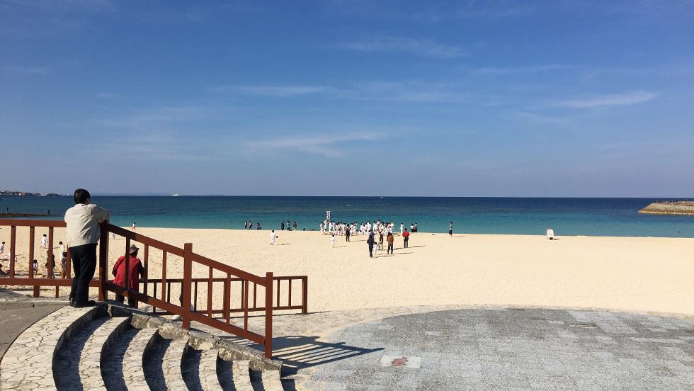 宜野湾市のトロピカルビーチ